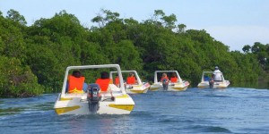 Funtasea drive your own boat adventure Belize