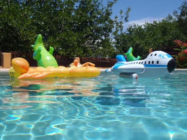 swimming pool pics  san pedro belize