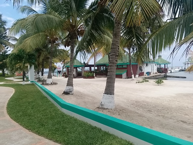 what is there to do in belize